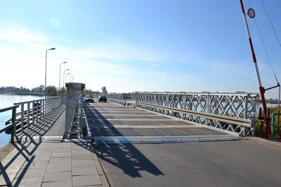 Most w Sobieszewie stanowi główny wjazd na Wyspę Sobieszewską