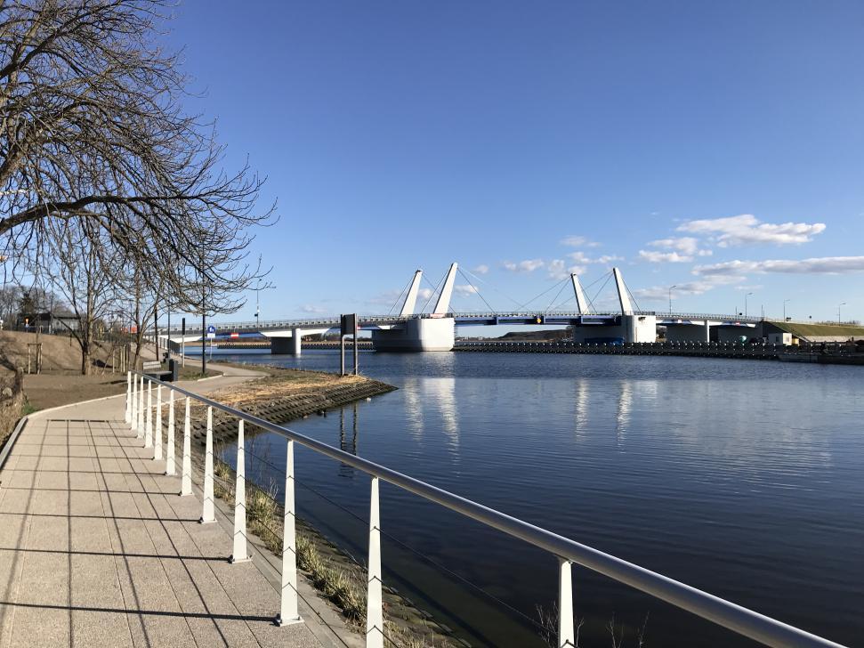 Nowy most w Sobieszewie - widok z promenady nad Martwą Wisłą