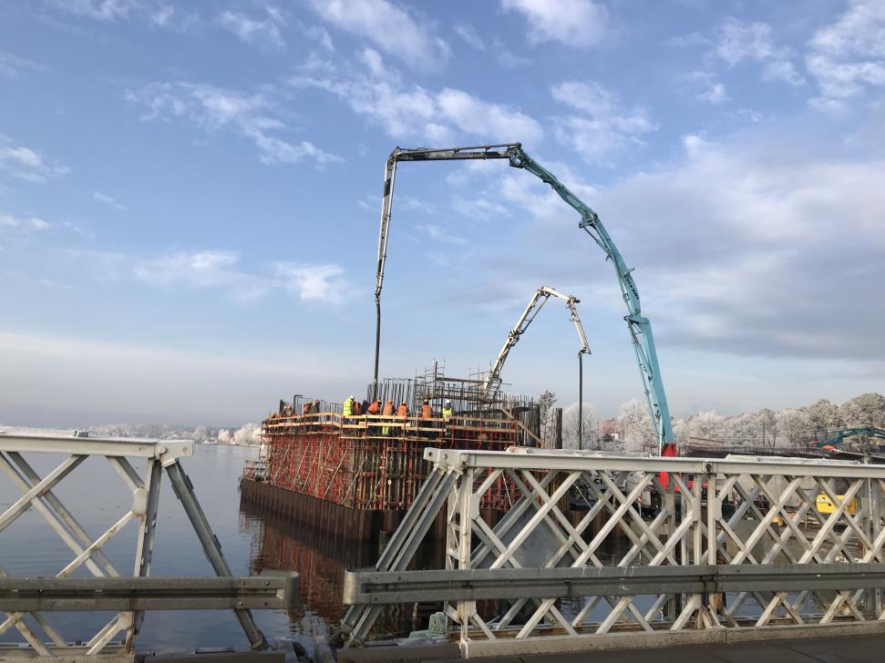 Budowa nowego mostu na Martwej Wiśle w Sobieszewie (stan grudzień 2017)
