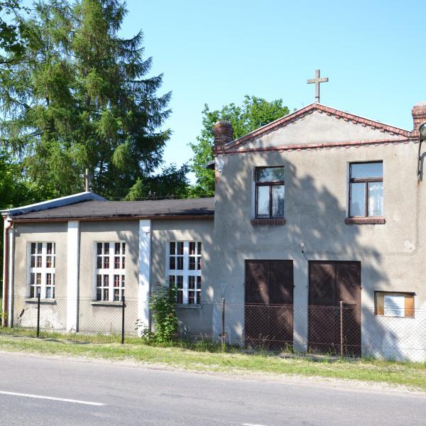 Budynek dawnego kościoła w Świbnie - obecnie nieużytkowany