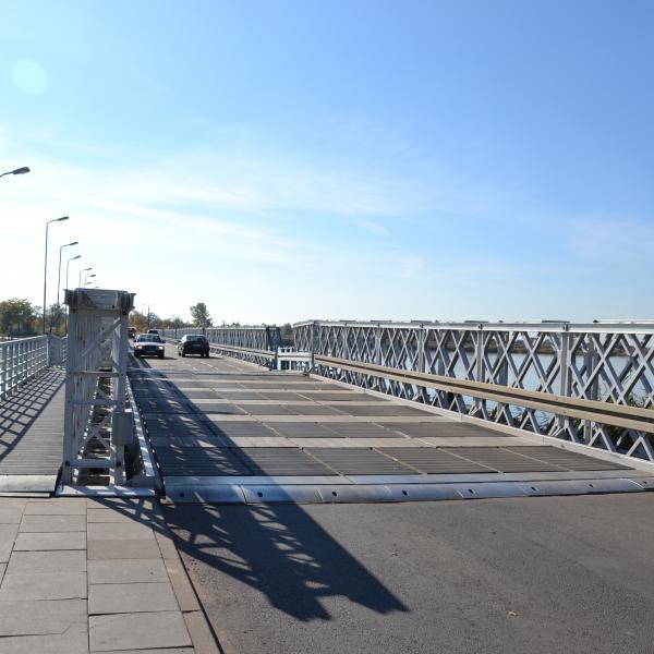 Wjazd na stary most Sobieszewski (nieistniejący)