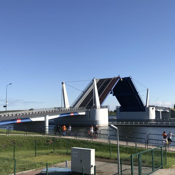 Nowy most Sobieszewski wybudowany w 2018 roku - podczas zwodzenia